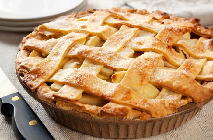 Ароматные и сочные пироги из яблок: огромная подборка рецептов нежнейшей выпечки