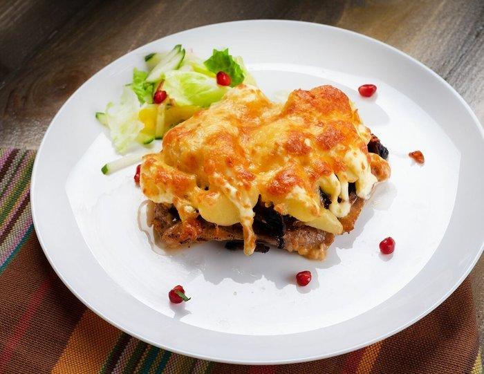 Праздничное меню с мясом по-французски: невероятно вкусно из свинины, курицы или говядины