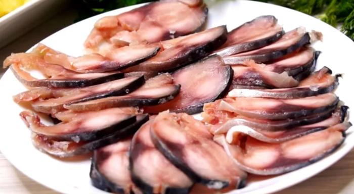 Варианты строганины из рыбы: особенности блюда, секреты приготовления и способы подачи