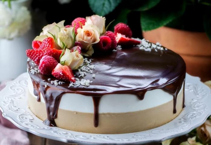 Нежный торт Птичье молоко без выпечки: подборка самых простых рецептов