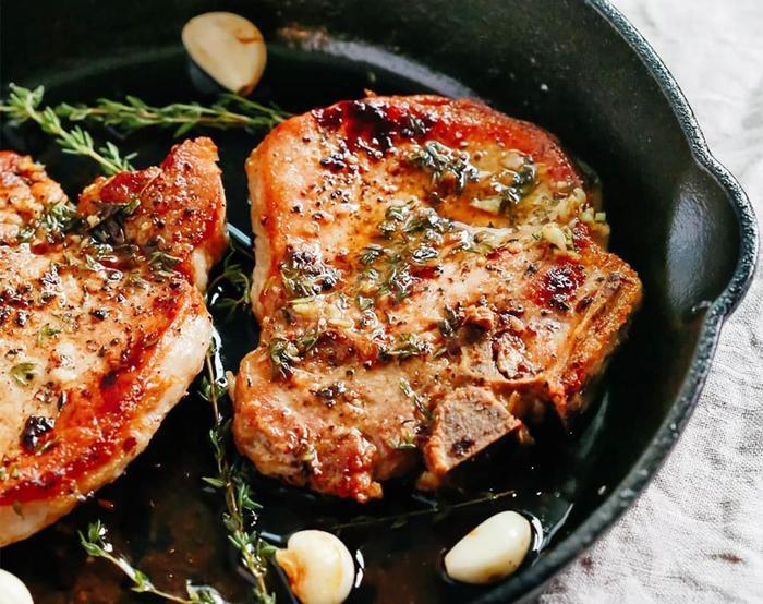 Сочный стейк из свиной шеи: тонкости приготовления мяса и варианты лучших маринадов