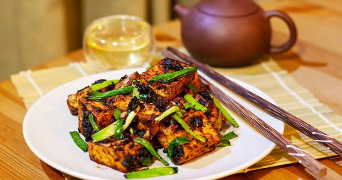 Жарим тофу: простые рецепты, не отнимающие много времени
