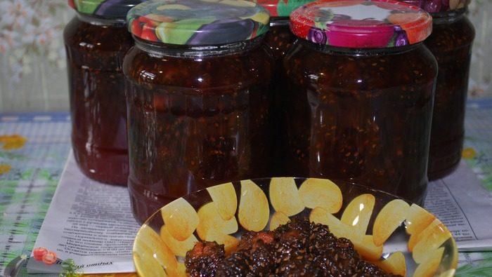 Готовим на зиму варенье из еловых веток и шишек: необыкновенный вкус в сочетании с огромным количеством витаминов