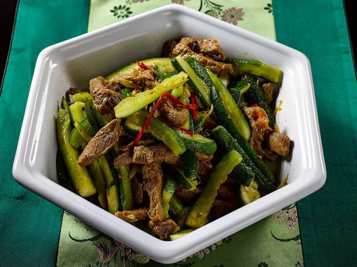 Оригинальный рецепт закусок: жареные огурцы с мясом